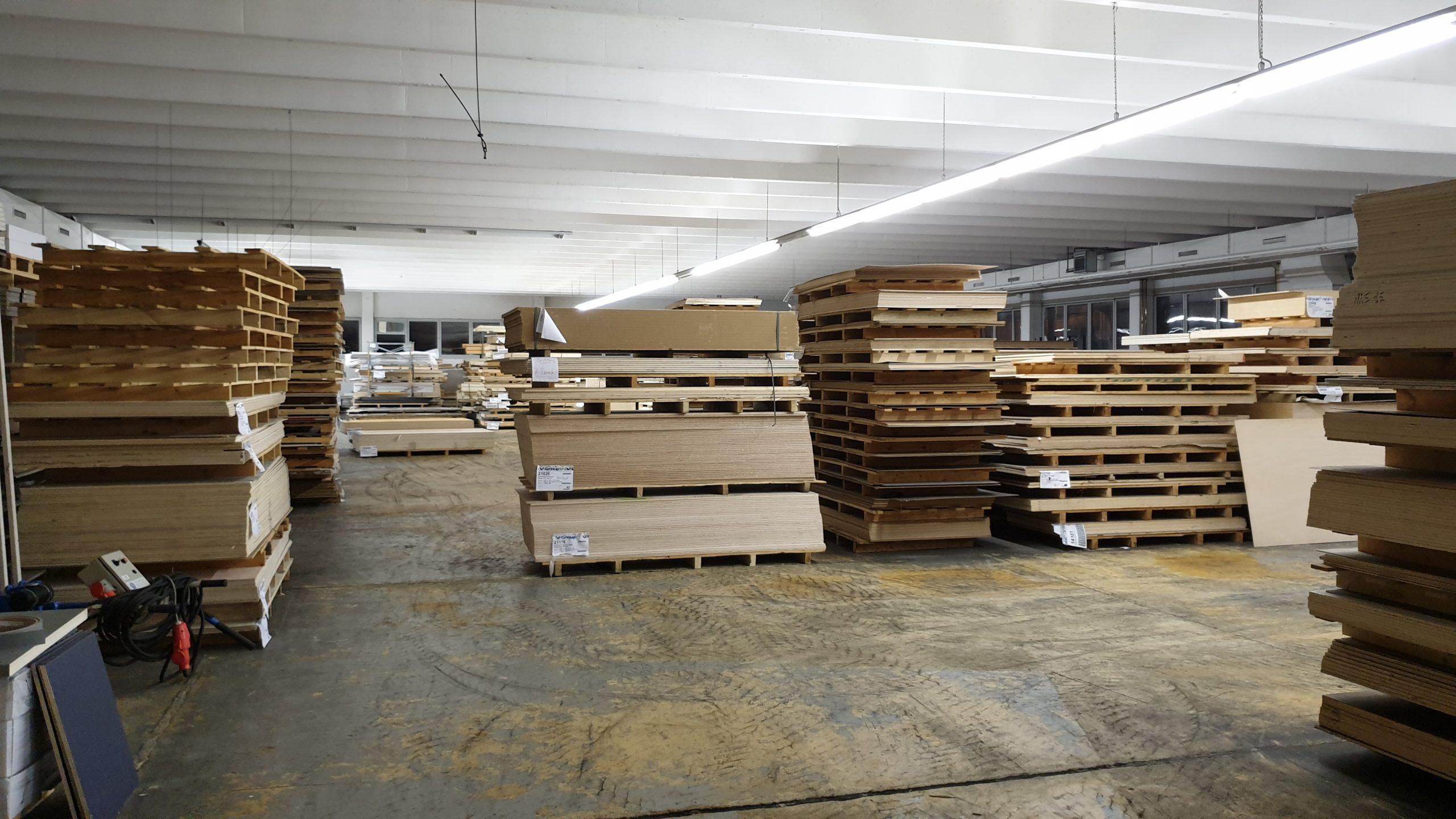 Woher bekomme ich Möbelholz für den Innenausbau? Firma Vöhringer